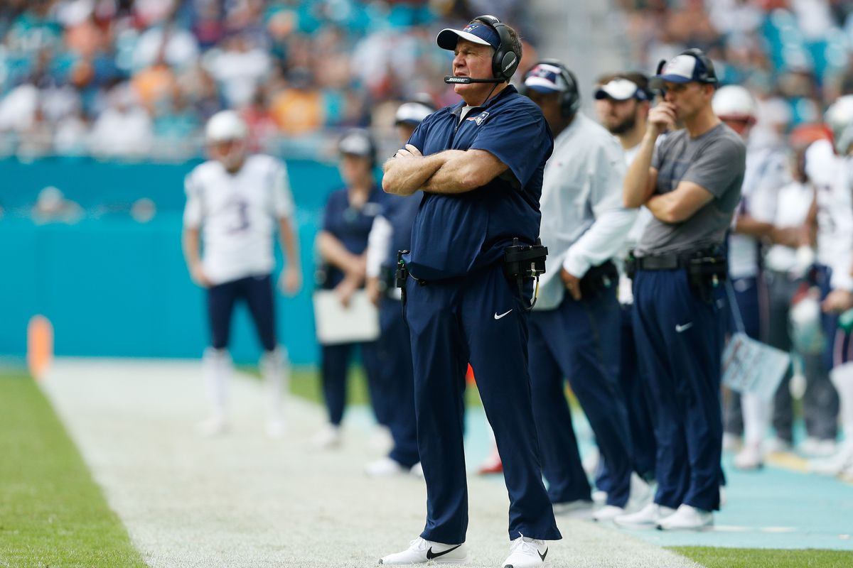 Former Patriots players criticize Bill Belichick for final play vs. Dolphins